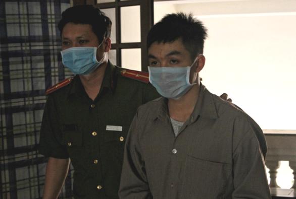 Vụ 'yêu' bạn gái ở Long An và TP.HCM: VKS giữ quan điểm tách án, toà tuyên 2 năm tù - Ảnh 1.