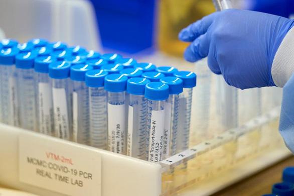 Biến thể COVID mới tại Pháp có thể qua mặt xét nghiệm PCR - Ảnh 1.