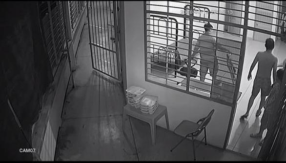 UBND TP.HCM yêu cầu kiểm điểm cán bộ bị tố đánh học viên cai nghiện - Ảnh 1.