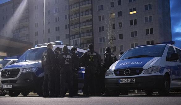 Cảnh sát Đức bắt phụ nữ Việt nghi ép đồng hương bán dâm - Ảnh 1.