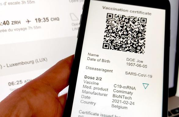EU làm giấy chứng nhận an toàn COVID-19 để phục hồi du lịch sớm - Ảnh 1.