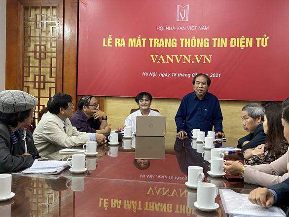 Chủ tịch Hội Nhà văn Việt Nam: Xin tiền là việc nhẹ nhàng hơn các nhiệm vụ khác - Ảnh 1.