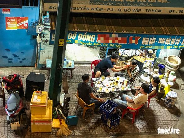 Mặc chính quyền tuyên truyền, 'cung đường bia bọt' Phạm Văn Đồng vẫn chát chúa tiếng nhạc - Ảnh 3.