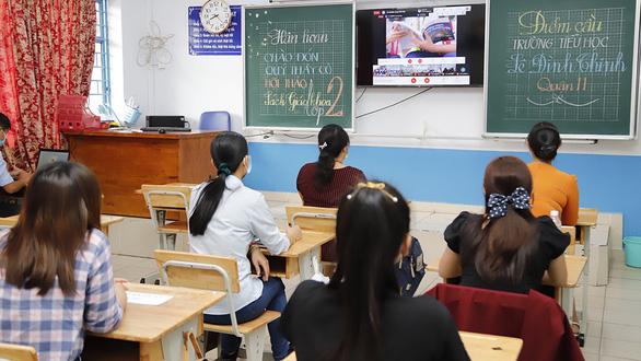 Hội đồng chọn sách giáo khoa ở TP.HCM chọn sách giáo khoa lớp 2, 6 ra sao? - Ảnh 1.