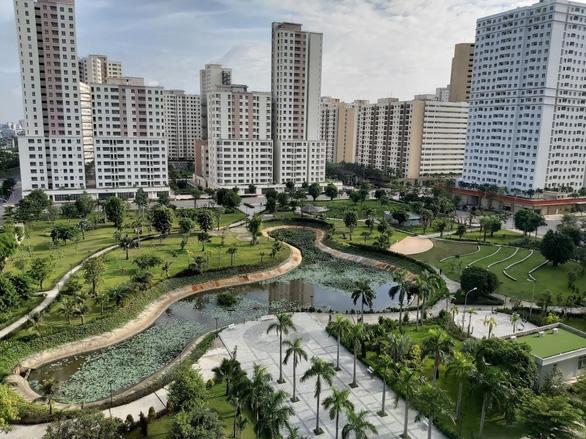 Nhà ở dưới 2 tỉ biến mất ở TP.HCM và Hà Nội - Ảnh 1.