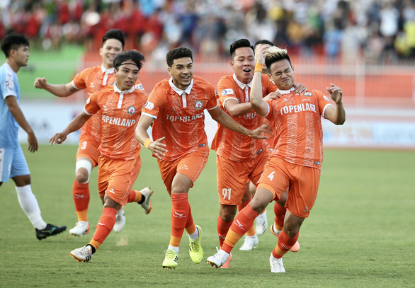 Bình Định được thưởng 1 tỉ đồng sau trận thắng trên sân mới - Ảnh 1.