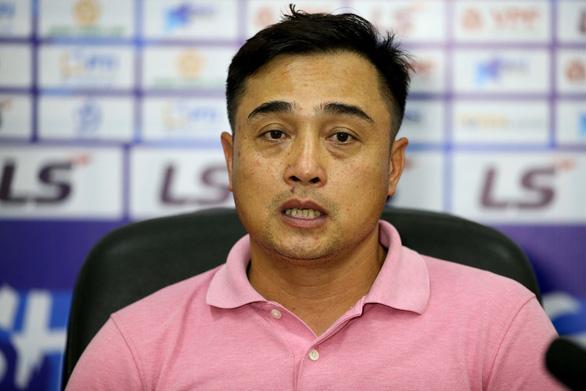 Bình Định được thưởng 1 tỉ đồng sau trận thắng trên sân mới - Ảnh 2.