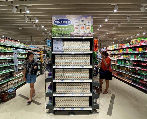 Sữa tươi chứa tổ yến của Vinamilk xuất ngoại sang đảo quốc sư tử - Ảnh 3.