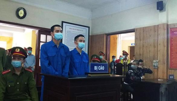 Tuyên án các bị cáo nã đạn vào xe của thánh chửi Dương Minh Tuyền - Ảnh 1.