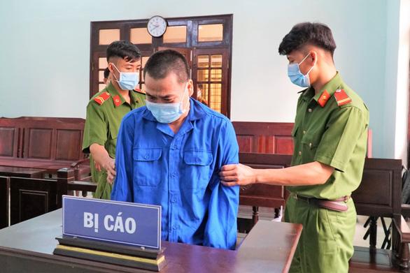 Thầy giáo dâm ô 4 học sinh nam ở Tây Ninh lĩnh án 7 năm tù - Ảnh 1.