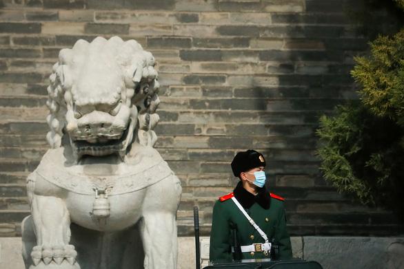 Trung Quốc đang mắc nợ 7.200 tỉ USD - Ảnh 1.