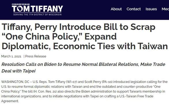 Nghị sĩ Mỹ trình dự luật kêu gọi ông Biden khôi phục quan hệ với Đài Loan - Ảnh 1.
