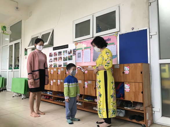 Trường học Hà Nội phòng dịch nghiêm ngặt để đón gần 2 triệu học sinh đi học lại - Ảnh 5.