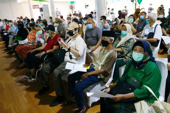 Vắc xin 'nhà làm' của Indonesia có giá gần 120.000 đồng - Ảnh 1.