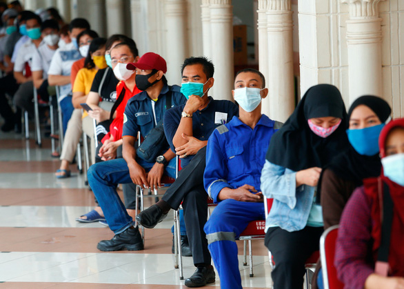 Vắc xin 'nhà làm' của Indonesia có giá gần 120.000 đồng - Ảnh 2.