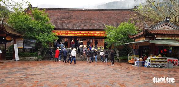 Thắt chặt bên ngoài, nới lỏng bên trong, Quảng Ninh khởi động du lịch nội tỉnh - Ảnh 1.