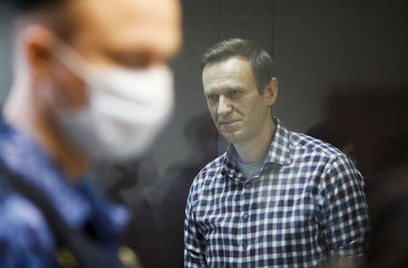 Mỹ kết luận Nga đầu độc chính trị gia đối lập Navalny, công bố trừng phạt - Ảnh 1.
