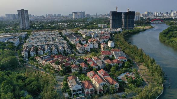 Hàng loạt dự án bất động sản ở TP.HCM có thể thoát truy thu tiền đất hơn 900 tỉ đồng - Ảnh 1.