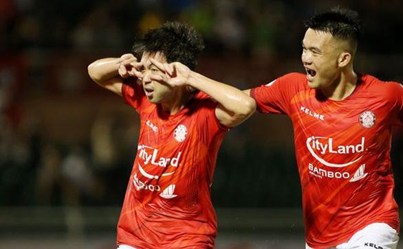 Vòng 4 V-League 2021: Càng xem, càng tiếc cho Lee Nguyễn - Ảnh 1.