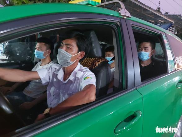 Bắt 7 người Trung Quốc xuất cảnh trái phép sang Campuchia - Ảnh 1.