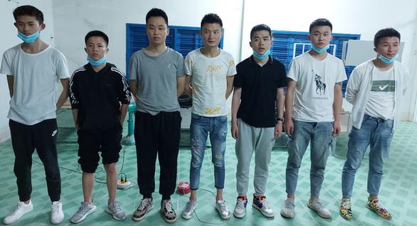 Bắt 7 người Trung Quốc xuất cảnh trái phép sang Campuchia - Ảnh 2.