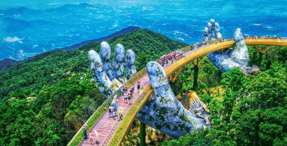 Cầu Vàng ở Đà Nẵng vào danh sách kỳ quan thế giới mới của báo Anh - Ảnh 1.