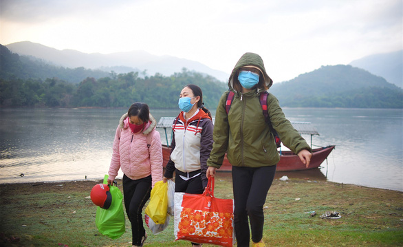 Những cô giáo miền xuôi lặn lội gieo chữ ở làng Canh Tiến - Ảnh 3.