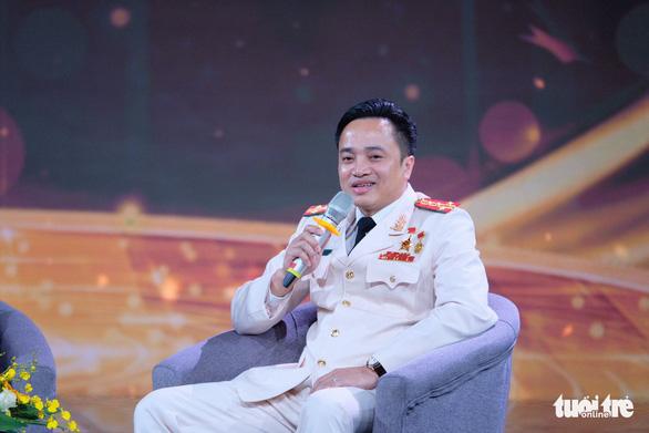Gương mặt trẻ Việt Nam: Những viên gạch hồng dựng thành lũy chống dịch - Ảnh 6.