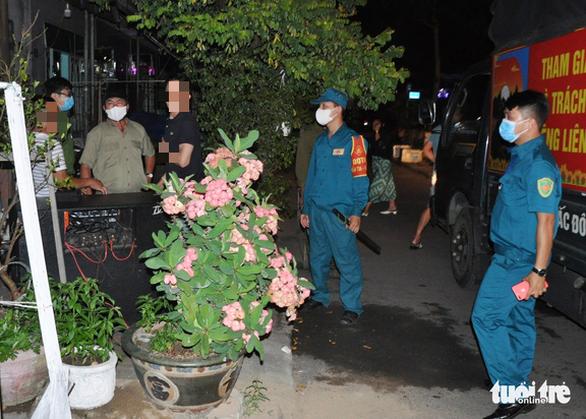 Đà Nẵng: Các địa phương ra quân dẹp karaoke ồn ào, làm phiền dân - Ảnh 1.