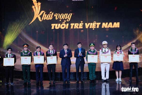 Gương mặt trẻ Việt Nam: Những viên gạch hồng dựng thành lũy chống dịch - Ảnh 4.