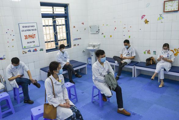 Sáng nay, 0 ca mắc mới, hơn 32.000 người Việt đã tiêm vắc xin COVID-19 - Ảnh 1.