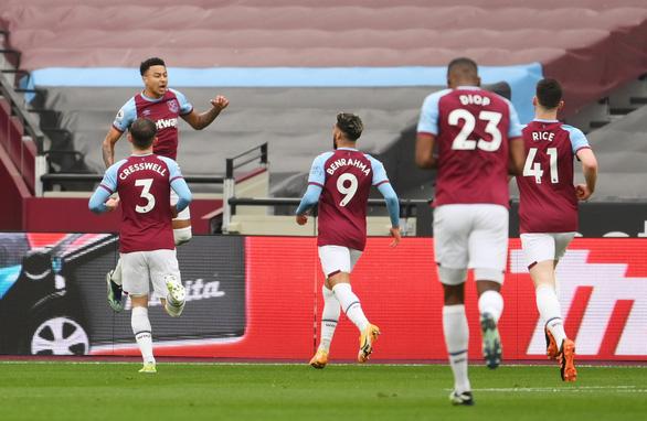 Lacazette tỏa sáng, Arsenal ngược dòng cầm chân West Ham sau khi bị dẫn 3-0 - Ảnh 1.