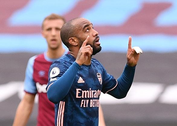 Lacazette tỏa sáng, Arsenal ngược dòng cầm chân West Ham sau khi bị dẫn 3-0 - Ảnh 2.