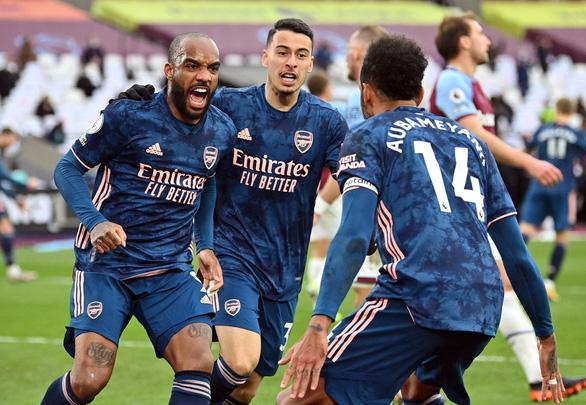 Lacazette tỏa sáng, Arsenal ngược dòng cầm chân West Ham sau khi bị dẫn 3-0 - Ảnh 3.