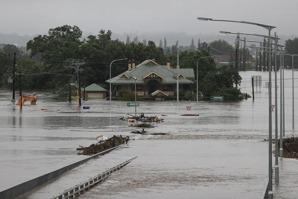 Lũ lụt lịch sử, Úc phải sơ tán khoảng 18.000 người - Ảnh 3.
