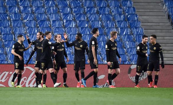 Messi lập cú đúp giúp Barca có chiến thắng 6 sao và bám sát Atletico Madrid - Ảnh 1.