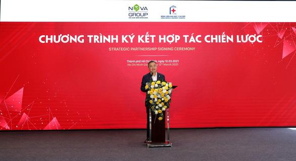 Bệnh viện Đại học Y Hà Nội đồng hành cùng Nova Group xây dựng chương trình điều dưỡng tiên tiến - Ảnh 1.