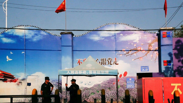 EU trừng phạt Trung Quốc, Bắc Kinh đáp trả gấp đôi ngay lập tức - Ảnh 1.