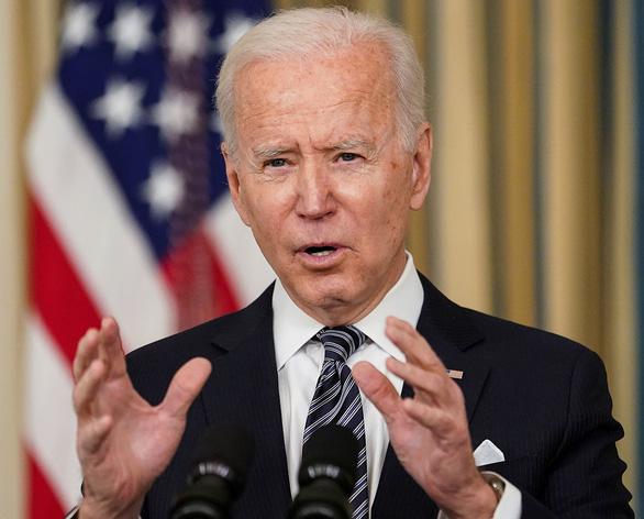 Tổng thống Biden thường xuyên trao đổi cùng ông Obama - Ảnh 1.