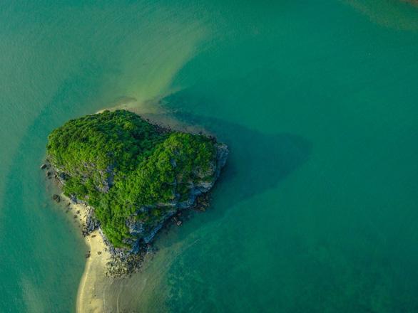 Ba lý do chọn đảo ngọc Cát Bà nghỉ lễ 30-4 - Ảnh 2.