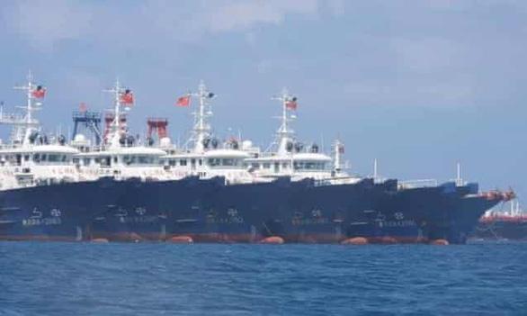 Mỹ đứng về phía Philippines trước việc tập trung tàu Trung Quốc ở đá Ba Đầu - Ảnh 1.