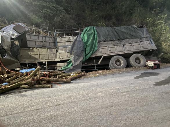 Phó thủ tướng gửi lời chia buồn với gia đình nạn nhân vụ tai nạn ở Thanh Hóa - Ảnh 1.
