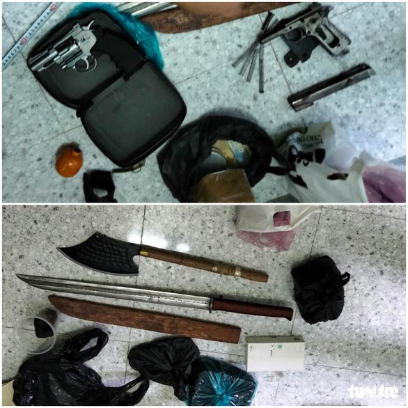 Phá chuyên án cho vay lãi nặng, đòi nợ thuê và tàng trữ chất ma túy lớn ở Tiền Giang - Ảnh 3.