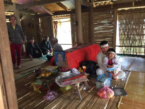 Vụ tai nạn làm 7 người chết ở Thanh Hóa: Đại tang trùm bản nghèo - Ảnh 2.