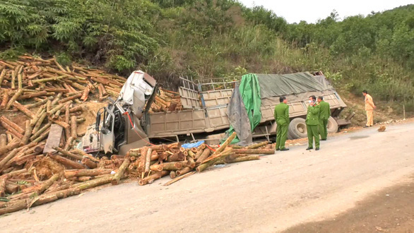 Kiểm tra doanh nghiệp có xe chở gỗ bị tai nạn làm 7 người chết ở Thanh Hóa - Ảnh 1.
