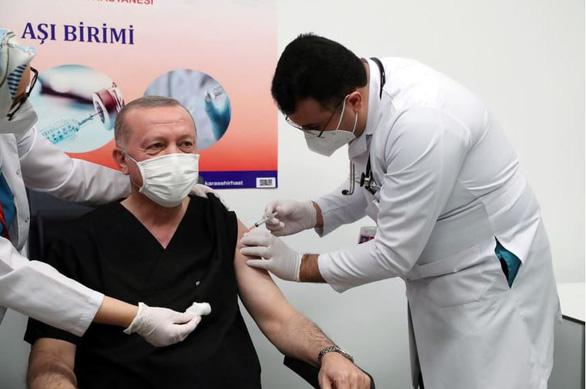 Những nguyên thủ nào đã tiêm vắc xin COVID-19? - Ảnh 9.