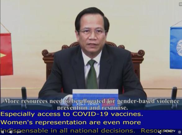 Việt Nam kêu gọi thế giới ưu tiên phụ nữ, trẻ em được tiếp cận vắc xin COVID-19 - Ảnh 1.