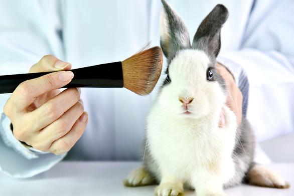 Làn sóng' cấm thử nghiệm mỹ phẩm trên động vật - Ảnh 2.