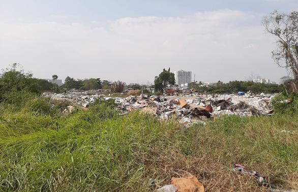 Kiến nghị thu hồi dự án hơn 20 năm vẫn là bãi đất hoang ở Nam Sài Gòn - Ảnh 1.