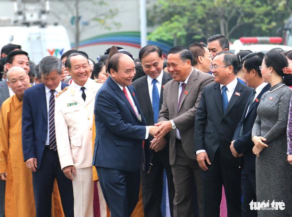 Thủ tướng: Con tàu Việt Nam đã vượt qua hải trình dồn dập bão tố - Ảnh 1.